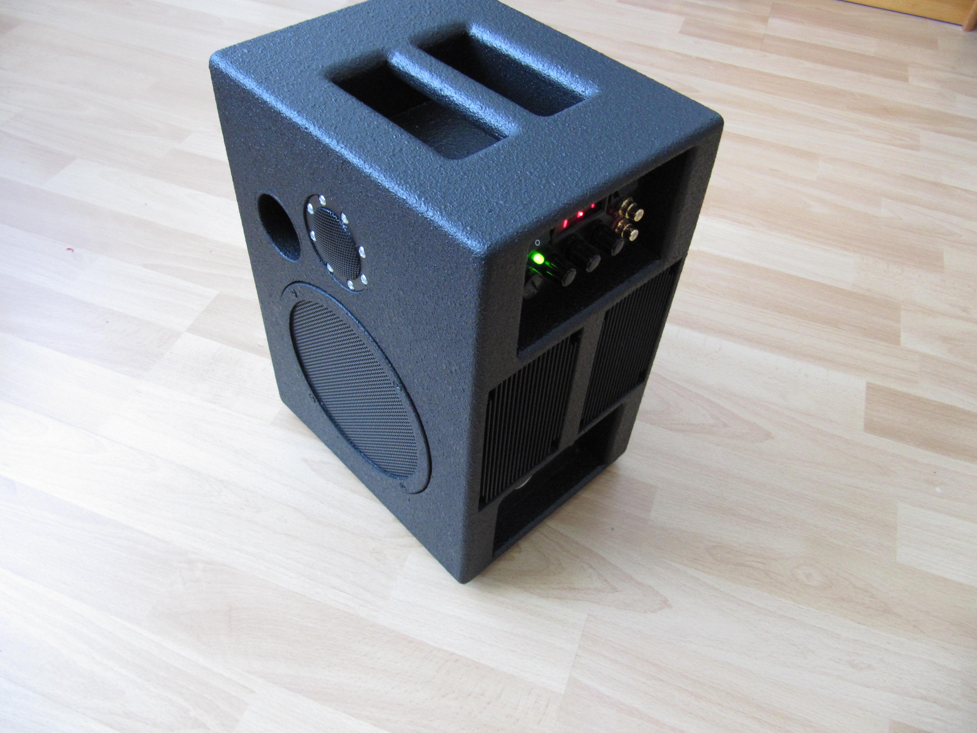 thema anzeigen mobile soundanlage f r betrieb an autobatterie. Black Bedroom Furniture Sets. Home Design Ideas